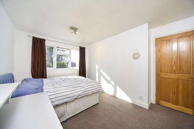 Thumbnail Terraced house to rent in Victoria Road, Kingston Upon Thames