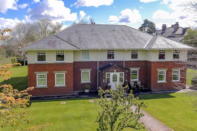 Thumbnail Flat for sale in Wood View, Harrogate, North Yorkshire