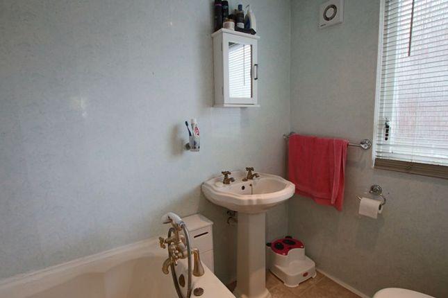 Bathroom of St. Kilda Road, Dundee DD3