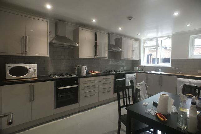 Thumbnail Terraced house to rent in Exmouth Mews, London