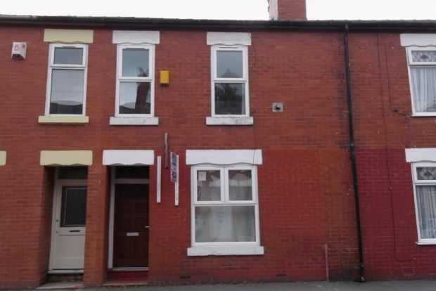 Thumbnail Terraced house to rent in Stanley Avenue, Manchester