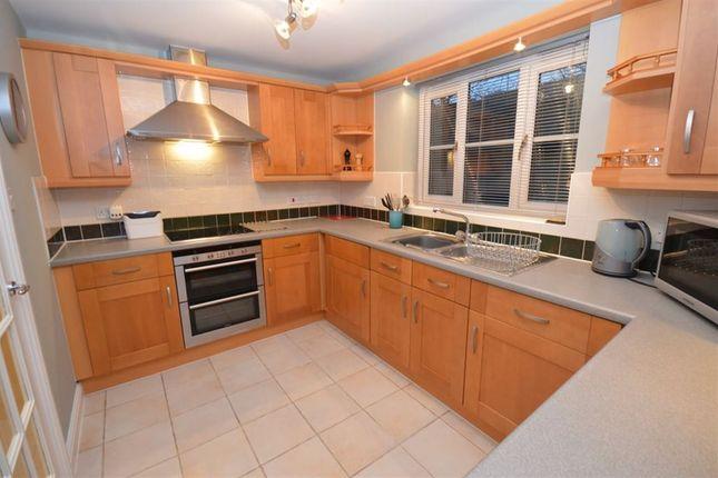 Thumbnail Flat to rent in Marlborough Road, Swindon
