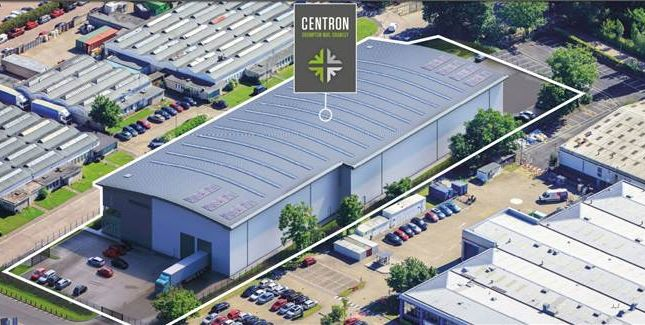 Thumbnail Warehouse to let in Centron, Crompton Way, Crawley, West Sussex