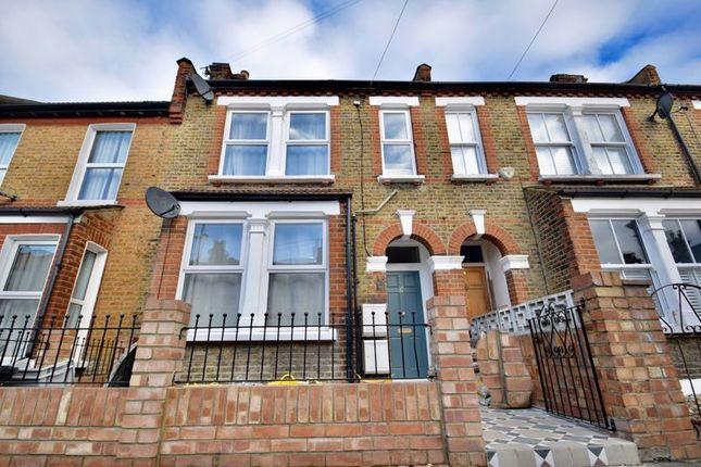 Thumbnail Flat to rent in Walpole Mews, Walpole Road, Colliers Wood, London