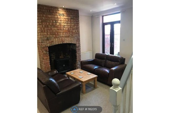 Thumbnail Room to rent in Twist Lane, Leigh