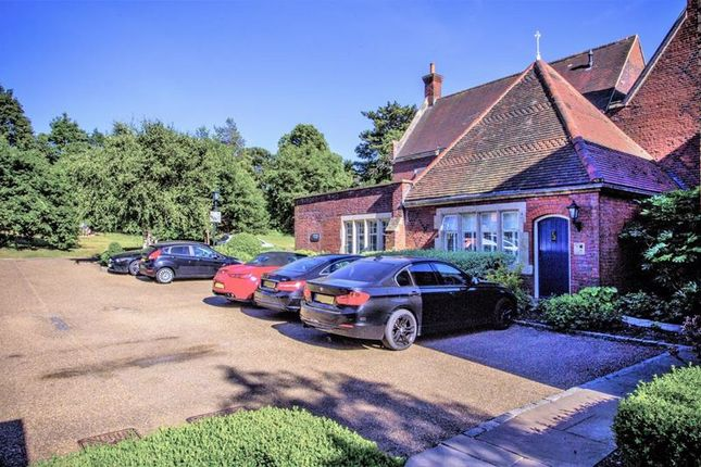 3 bed flat for sale in The Galleries, Warley, Brentwood CM14