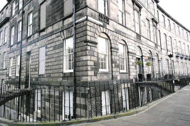 Thumbnail Flat to rent in Abercromby Place, New Town, Edinburgh