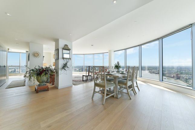 Thumbnail Flat to rent in Charrington Tower, New Providence Wharf, London