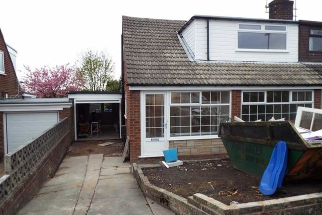 Thumbnail Property to rent in Lowfield Avenue, Ashton-Under-Lyne
