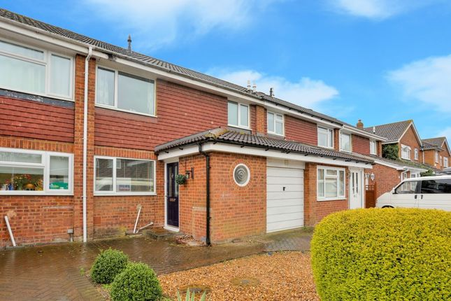 3 bed terraced house for sale in Long Meadow, Markyate, St. Albans