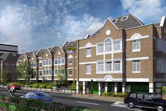 Thumbnail Flat to rent in Walpole Court, London