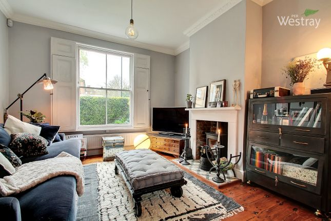Thumbnail Terraced house to rent in Lordship Grove, London