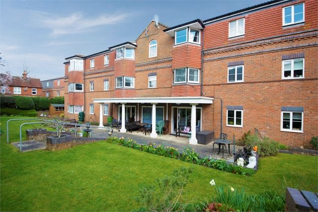 1 bed flat for sale in Westdeane Court, Basingstoke, Hampshire RG21