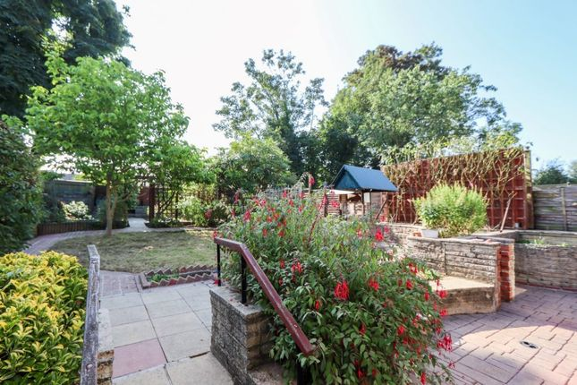 2 bed detached bungalow to rent in Bury Road, Epping CM16