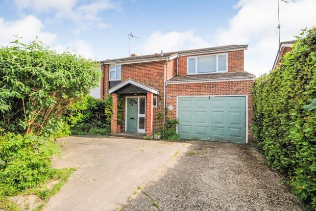 Thumbnail Semi-detached house for sale in Elmwood, Sawbridgeworth