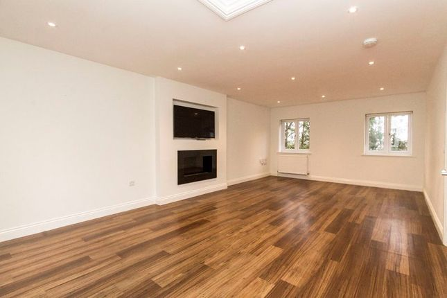 Photo 16 of Albion Hill, Loughton IG10