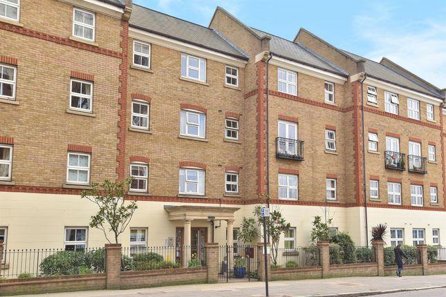 Thumbnail Flat for sale in Horn Lane, London