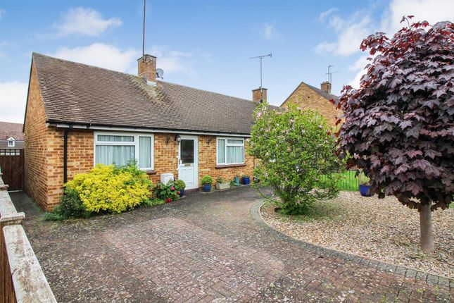 Thumbnail Bungalow for sale in Sharps Close, Waddesdon, Aylesbury