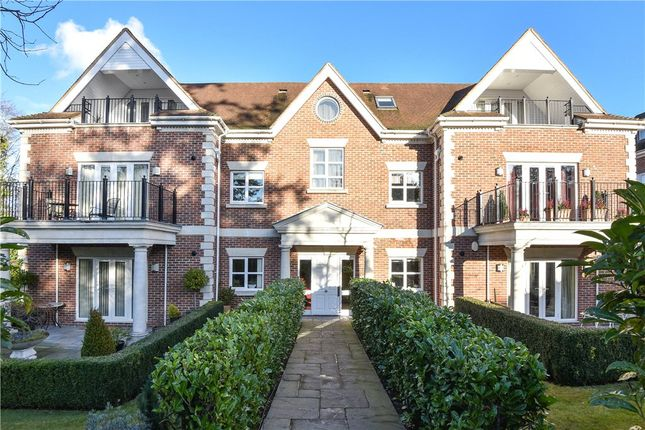 Thumbnail Flat for sale in Dorchester Mansions, Cross Road, Sunningdale