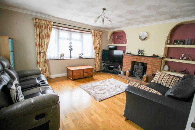Living Room of Warwick Close, Duston, Northampton NN5