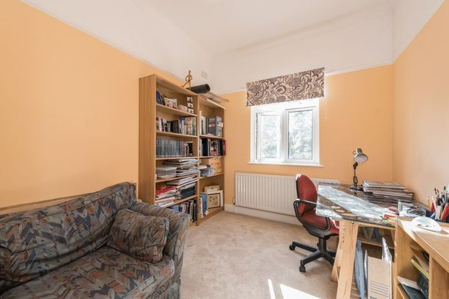 Photo 15 of Meadway, London N14