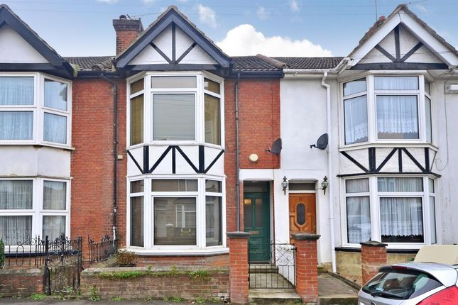 Thumbnail Terraced house to rent in Muir Road, Maidstone
