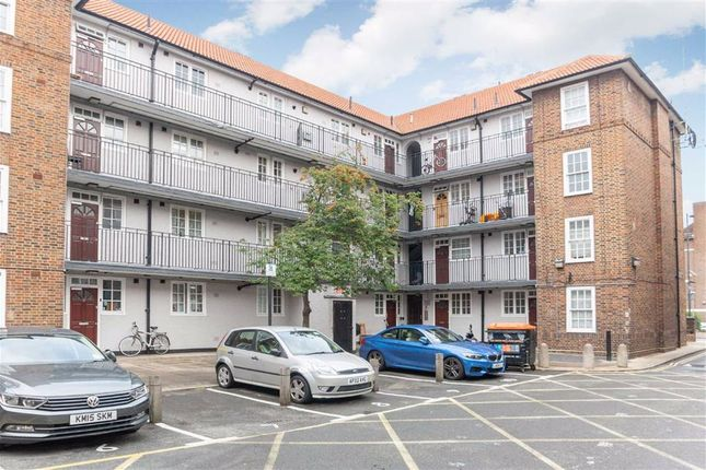 Thumbnail Flat for sale in Creighton Close, London