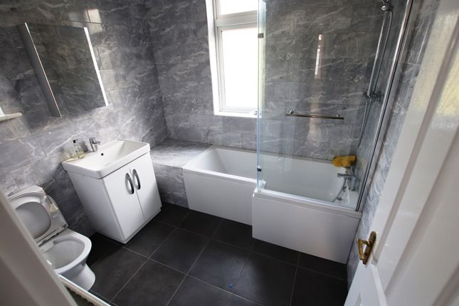 Thumbnail Semi-detached house to rent in Harland Road, Lee