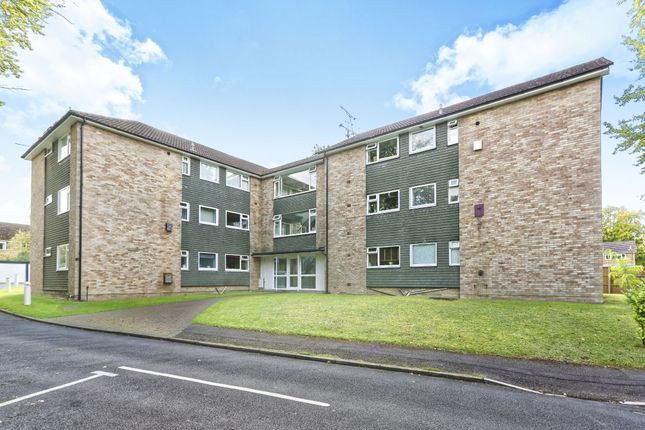 Thumbnail Flat to rent in Elvetham Road, Fleet