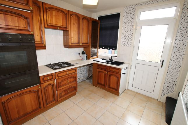 Kitchen of Dyson Street, Barnsley S70