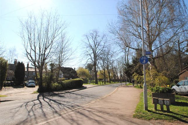 High Street of The Grange, High Street, Abbots Langley WD5