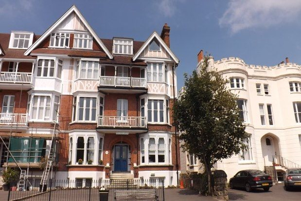 2 bed flat to rent in Beaumont House, Tunbridge Wells TN4