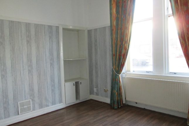 Thumbnail Flat to rent in Macdougall Street, Greenock, Inverclyde