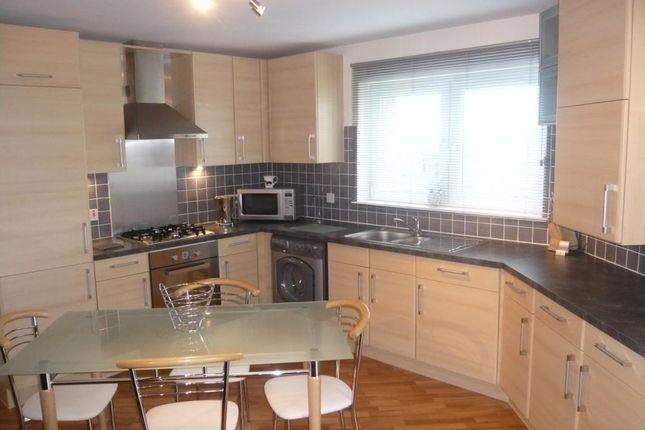 397 Links Road − Kitchen