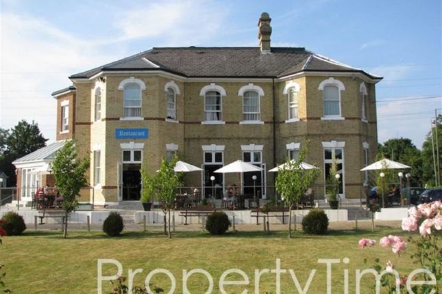 64 bedroom property for sale in Bonehurst Road, Horley, Surrey