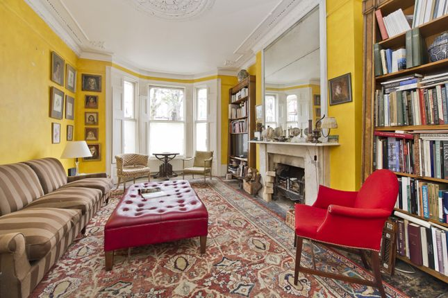4 bed property for sale in St Lukes Road, London