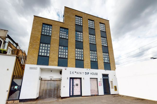 Thumbnail Office to let in 1 Whittlebury Mews West, Dumpton Place, London