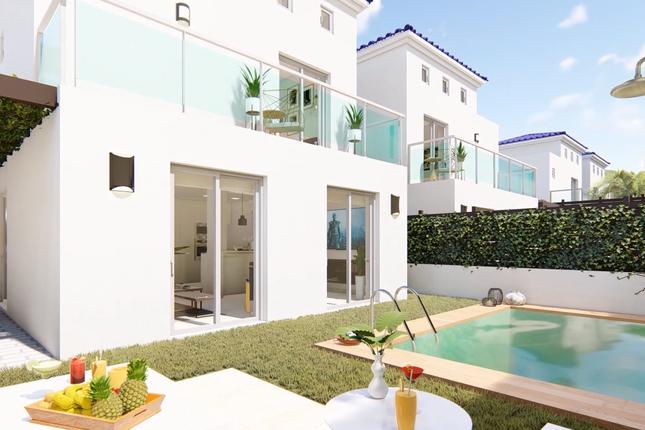 Villa for sale in Dehesa De Campoamor, Alicante, Spain