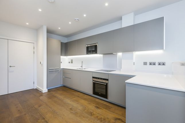 Thumbnail Town house to rent in Vanbrugh Hill, London