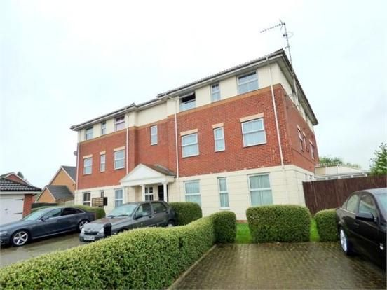 Thumbnail Flat to rent in Two Mile Drive, Cippenham, Slough