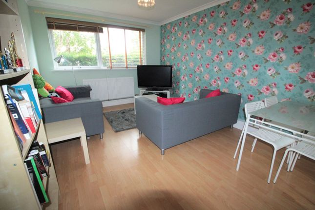 Thumbnail Flat for sale in Lincoln Court, Llanedeyrn
