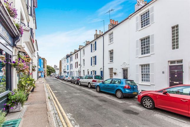 Thumbnail Flat for sale in Cross Street, Hove