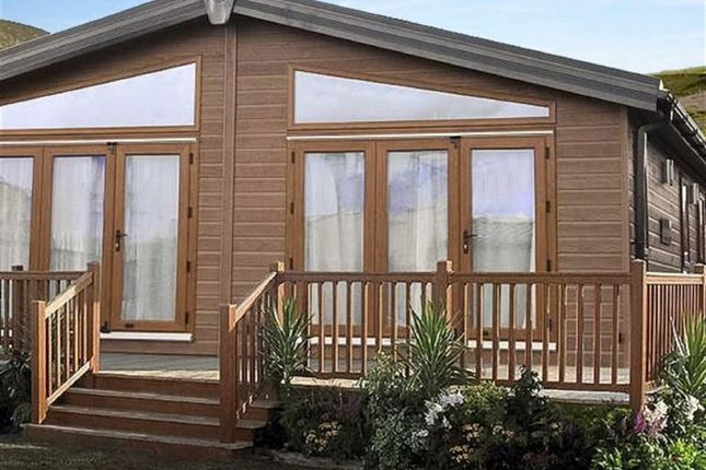 Thumbnail Bungalow for sale in Links Road, Amble, Northumberland