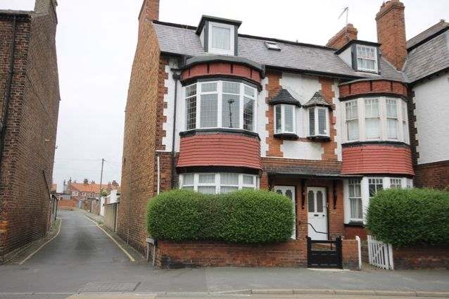 Thumbnail End terrace house for sale in Station Road, Filey