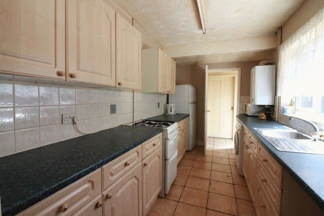 3 bed terraced house to rent in Glentworth Road, Nottingham