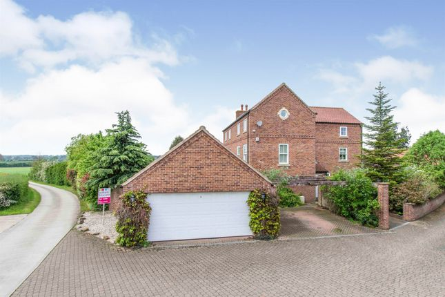 Thumbnail Detached house for sale in Norwith Hill, Newington, Doncaster