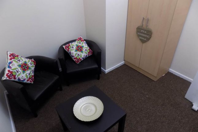 Thumbnail Flat to rent in Mannville Terrace, Great Horton, Bradford