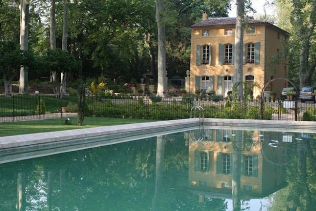 Thumbnail Country house for sale in Aix-En-Provence, Bouches-Du-Rhone, 13100, France
