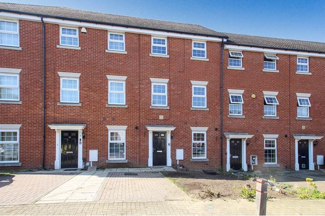 Thumbnail Terraced house for sale in Rileys Park Drive, Rochester