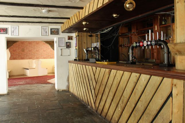 Thumbnail Pub/bar for sale in High Street, March